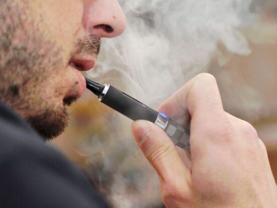 le-sigarette-elettroniche-non-aiutano-smettere-fumare-conferma-studio-v3-489766-800x600-1