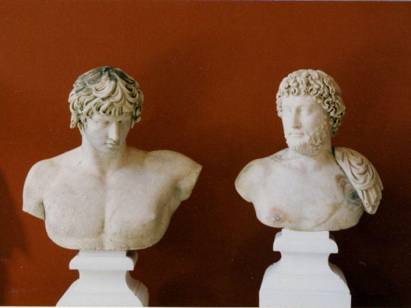parliamo-omosessualit-roma-antica-tragedia-dell-imperatore-adriano-antinoo-v3-487604-800x600-1