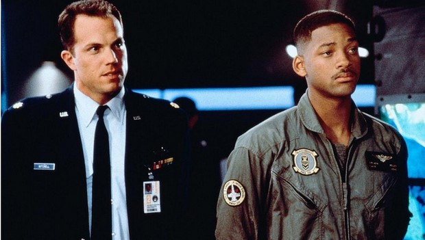 stasera-in-tv-su-rete-4-independence-day-con-will-smith-6.jpg