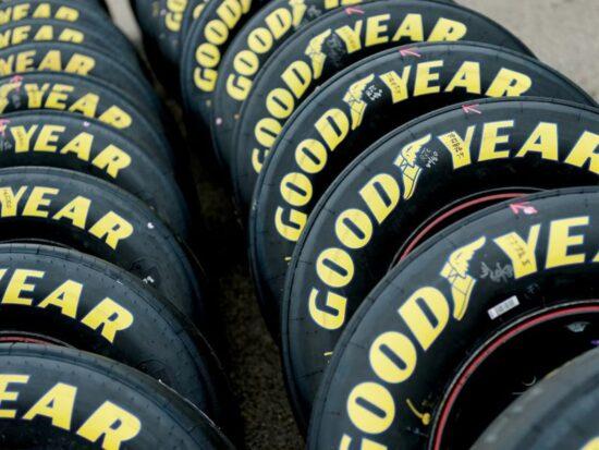 dall-asfalto-stelle-tecnologia-goodyear-motorsport-luna-speciale-v19-50879-800x600-1