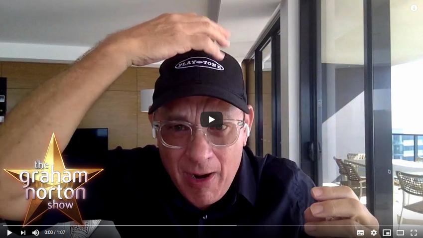 tom-hanks-mostra-il-suo-nuovo-look-per-il-biopic-su-elvis-video
