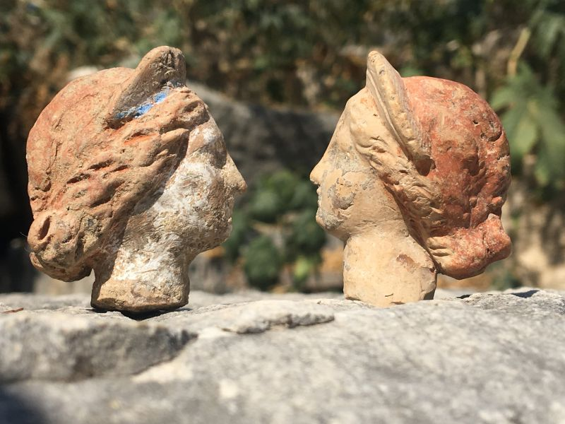 divinit-greche-comuni-mortali-incontrano-set-terracotte-scoperto-turchia-v3-497765-800x600-1