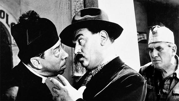 Don-Camillo-monsignore...ma-non-troppo-su-Rete-4-4