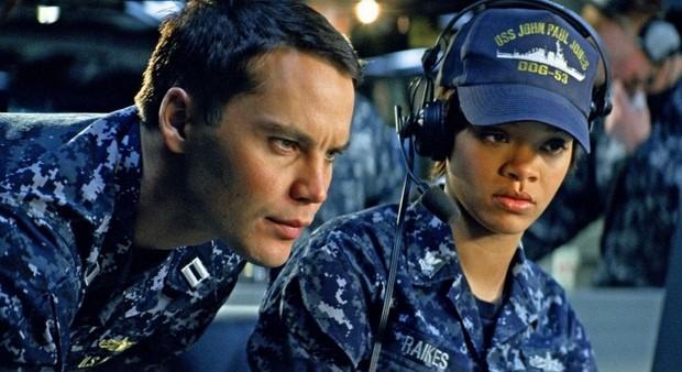 Stasera-in-tv-su-Italia-1-Battleship-con-Liam-Neeson-9