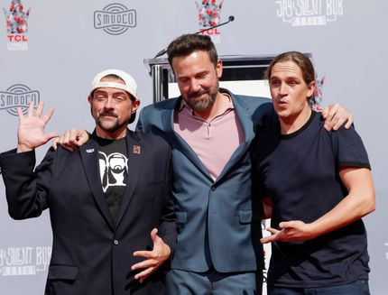 kevin-smith-e-jason-mewes-onorati-sulla-hollywood-walk-of-fame-video-5